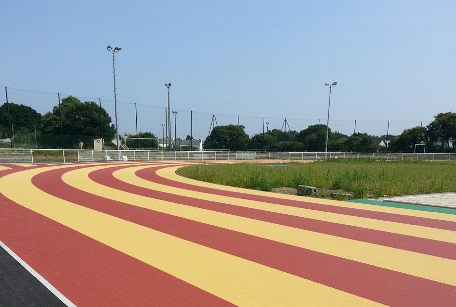Piste du stade d'athlétisme communautaire