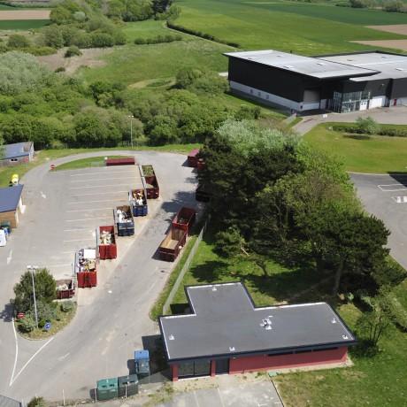 Vue aérienne de la déchèterie de Lezinadou à Plomeur