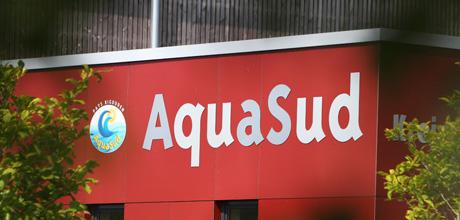Parc aquatique Aquasud Pays Bigouden les 19 et 24 Juillet 2013; Extérieurs bâtiment.