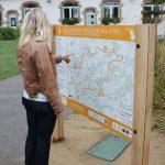 Panneaux de randonnée à Plomeur